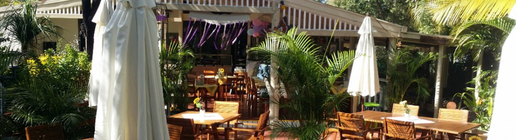 Glenview-Gardens-Outdoors-Dining